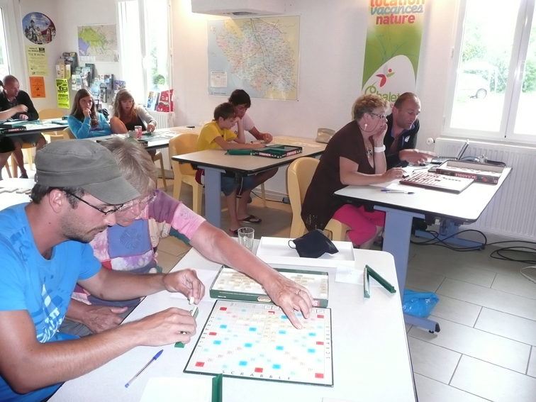 Tournois de scrabble, belote....