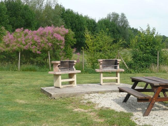 barbecue au camping 3 étoiles l'Ile Cariot pour le week-end du 1er mai dans le marais poitevin